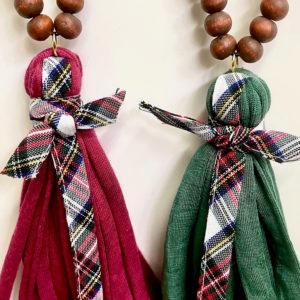 Collar bolas de madera y trapillo con cinta escocesa